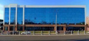 Республиканская высшая школа бизнеса и управления имени Абу Райхана Беруний при НАПУ. Вход в здание через внутренний двор и на 4 этаж.